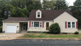 10 Larkin Ave, Uxbridge, MA 01569