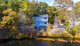 1100 East Lakeside Ave., Dartmouth, MA 02747