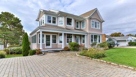 11 Seaview Ave, Mashpee, MA 02649