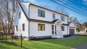 19 Oak Ave, Peabody, MA 01960