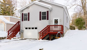 4 Lakeview Road, Webster, MA 01570