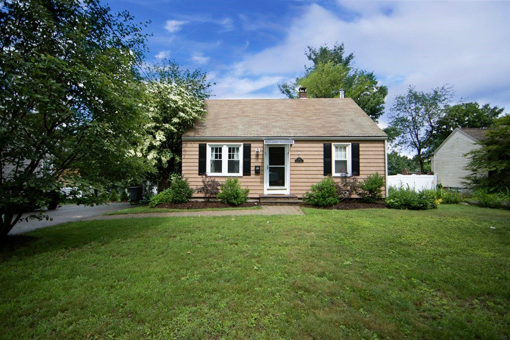 174 Chester St Worcester, MA 01605