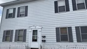 37 Middle Street Ln, Fitchburg, MA 01420