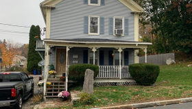 98 Chestnut St, Spencer, MA 01562