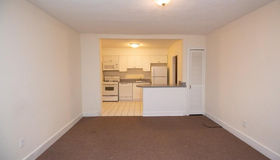 20 Roberts St ##4, Brookline, MA 02445
