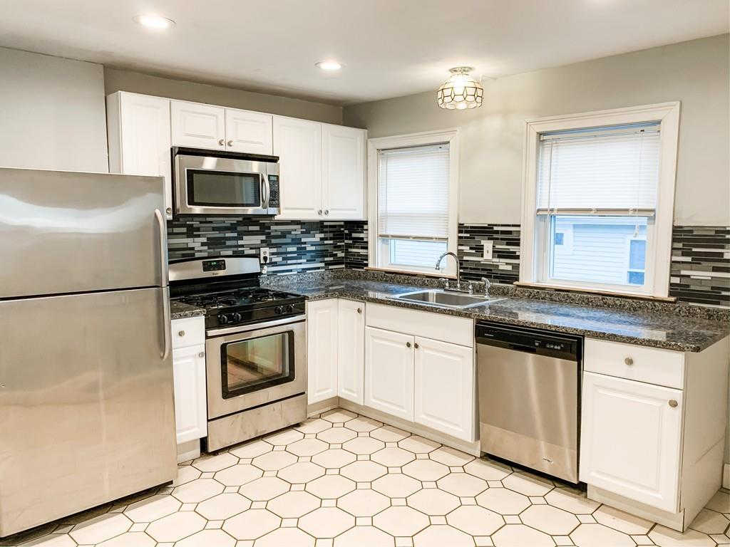 40 Massachusetts Ave #2, Quincy, MA 02169 is now new to the market!