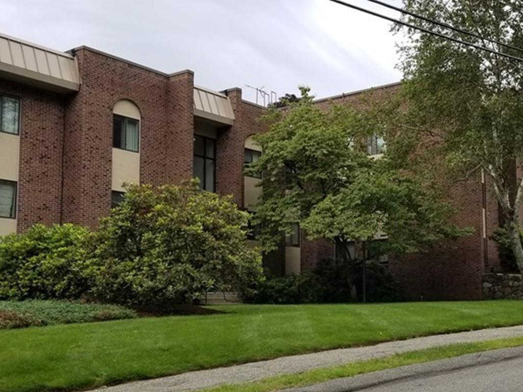 47 Angleside #1, Waltham, MA 02453 now has a new price of $379,900!