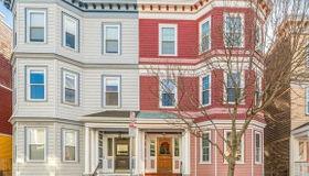 757 E 7th St #unit #1, Boston, MA 02127