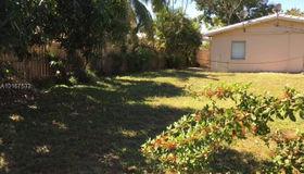 1030 NE 9th Ave, Fort Lauderdale, FL 33304