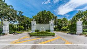 4445 Lake Rd, Miami, FL 33137