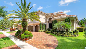 10231 Blue Palm St, Plantation, FL 33324