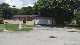 13621 sw 78th St, Miami, FL 33183