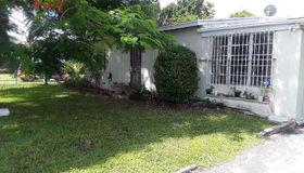 18000 nw 2nd CT, Miami Gardens, FL 33169