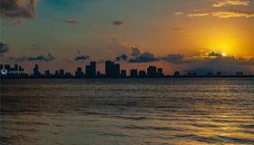 5712 N Bay Rd, Miami Beach, FL 33140