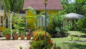 3540 Palmetto Ave, Miami, FL 33133