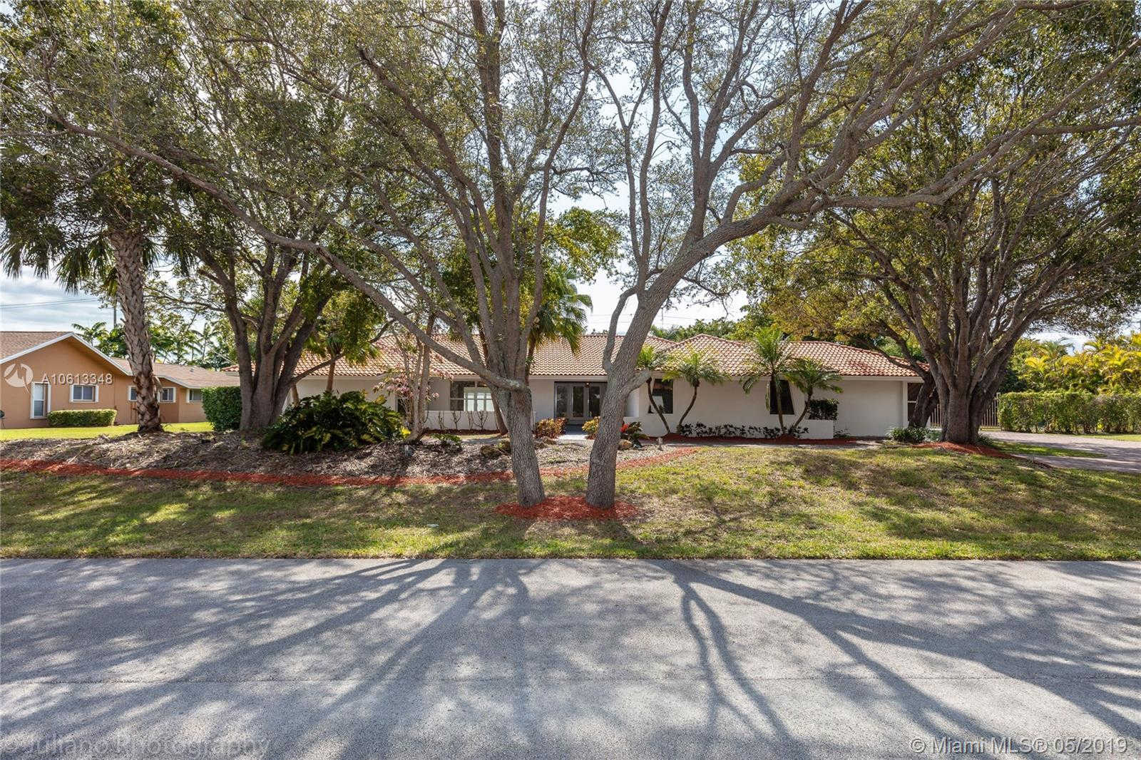 7740 SW 183 Terrace, Palmetto Bay, FL 33157 now has a new price of $899,000!