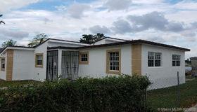 1059 nw 83rd St, Miami, FL 33150