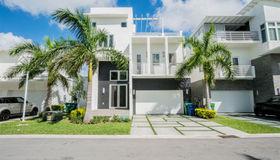 8285 nw 34th Dr, Miami, FL 33122