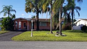 8551 nw 10th St, Pembroke Pines, FL 33024