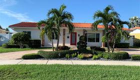 9920 sw 22 St, Miami, FL 33165