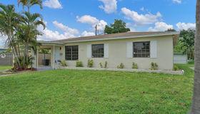 765 NE 174th St, Miami, FL 33162