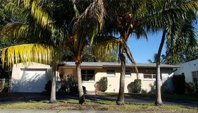445 NE 131st St, North Miami, FL 33161