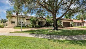 14240 Glencairn Rd, Miami Lakes, FL 33016
