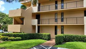 6112 Coral Lake Dr #112, Margate, FL 33063
