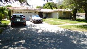 6799 Parkinsonia Dr, Miami Lakes, FL 33014