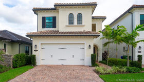 275 sw 113th Ln, Pembroke Pines, FL 33025