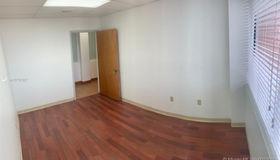4001 nw 97th Ave #301-b, Doral, FL 33178