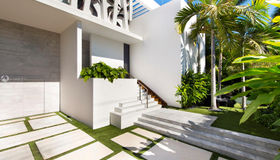 1325 N Venetian Way, Miami, FL 33139