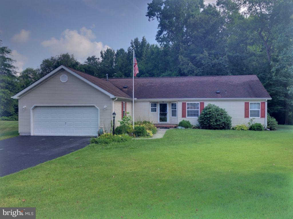 733 S WYNN Wood Circle, Camden Wyoming, DE 19934 is now new to the market!