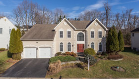 10106 Daphney House Way, Rockville, MD 20850