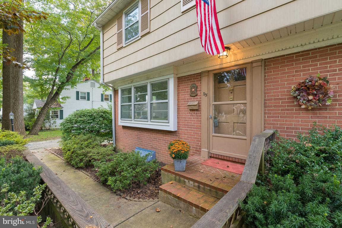 315 GAILRIDGE RD LUTHERVILLE TIMONIUM, MD 21093 is now new to the market!
