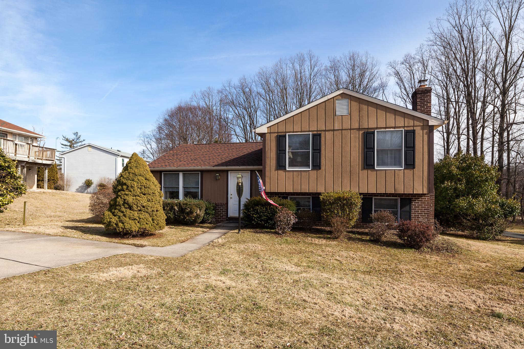 10019 Nearbrook Lane, Parkville, MD 21234 now has a new price of $269,900!