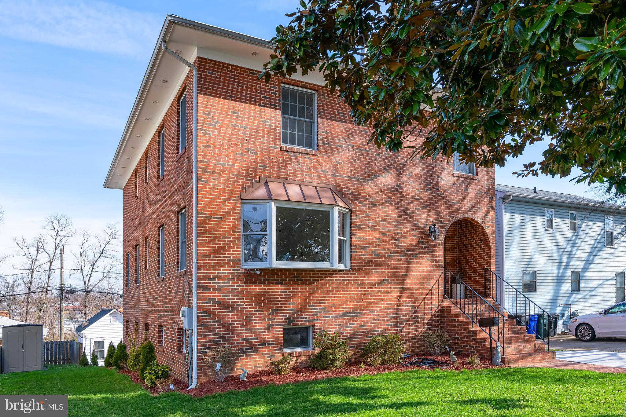 1531 12TH Street S, Arlington, VA 22204 is now new to the market!