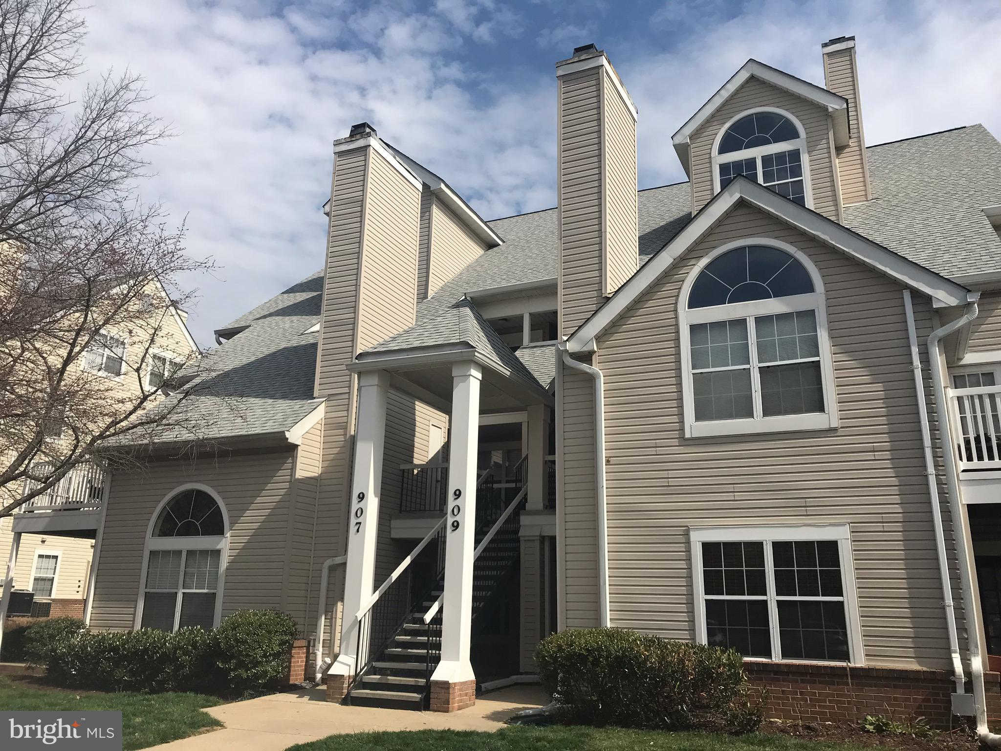909 Hillside Lake Terrace #505, Gaithersburg, MD 20878 is now new to the market!