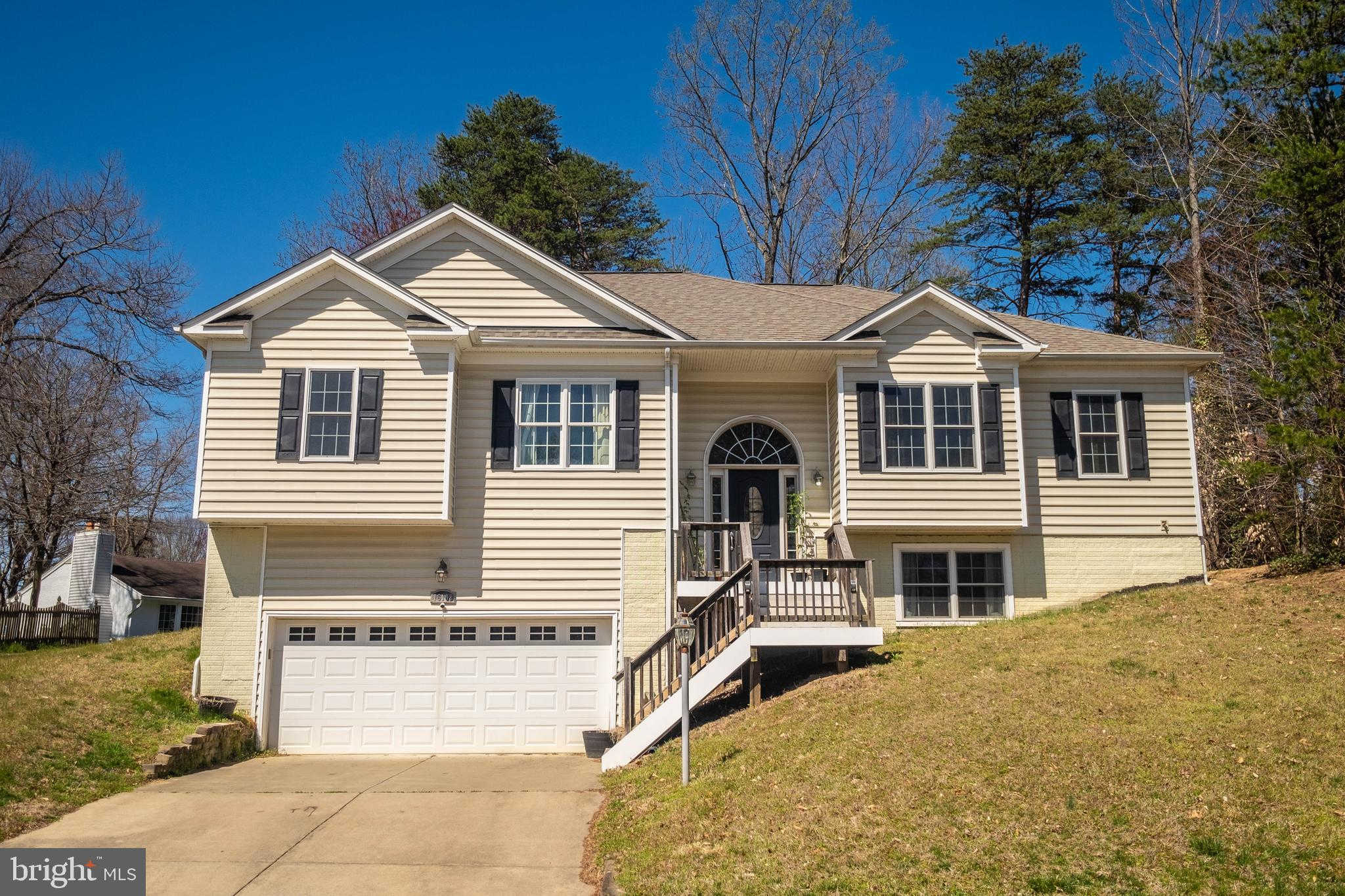 16108 Edgewood Drive, Dumfries, VA 22025 is now new to the market!