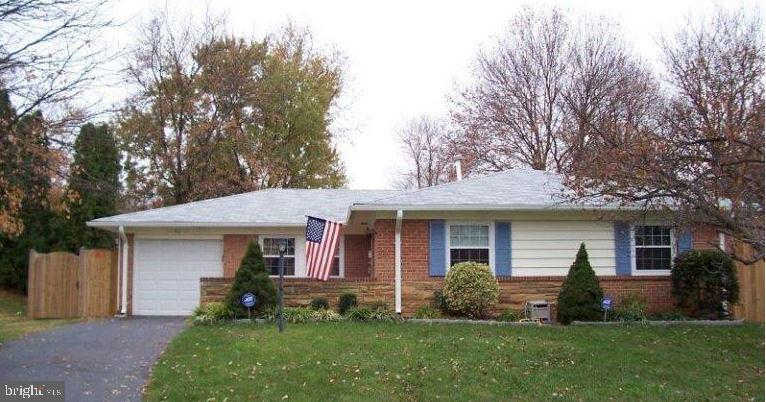 511 W Maple Avenue, Sterling, VA 20164 is now new to the market!