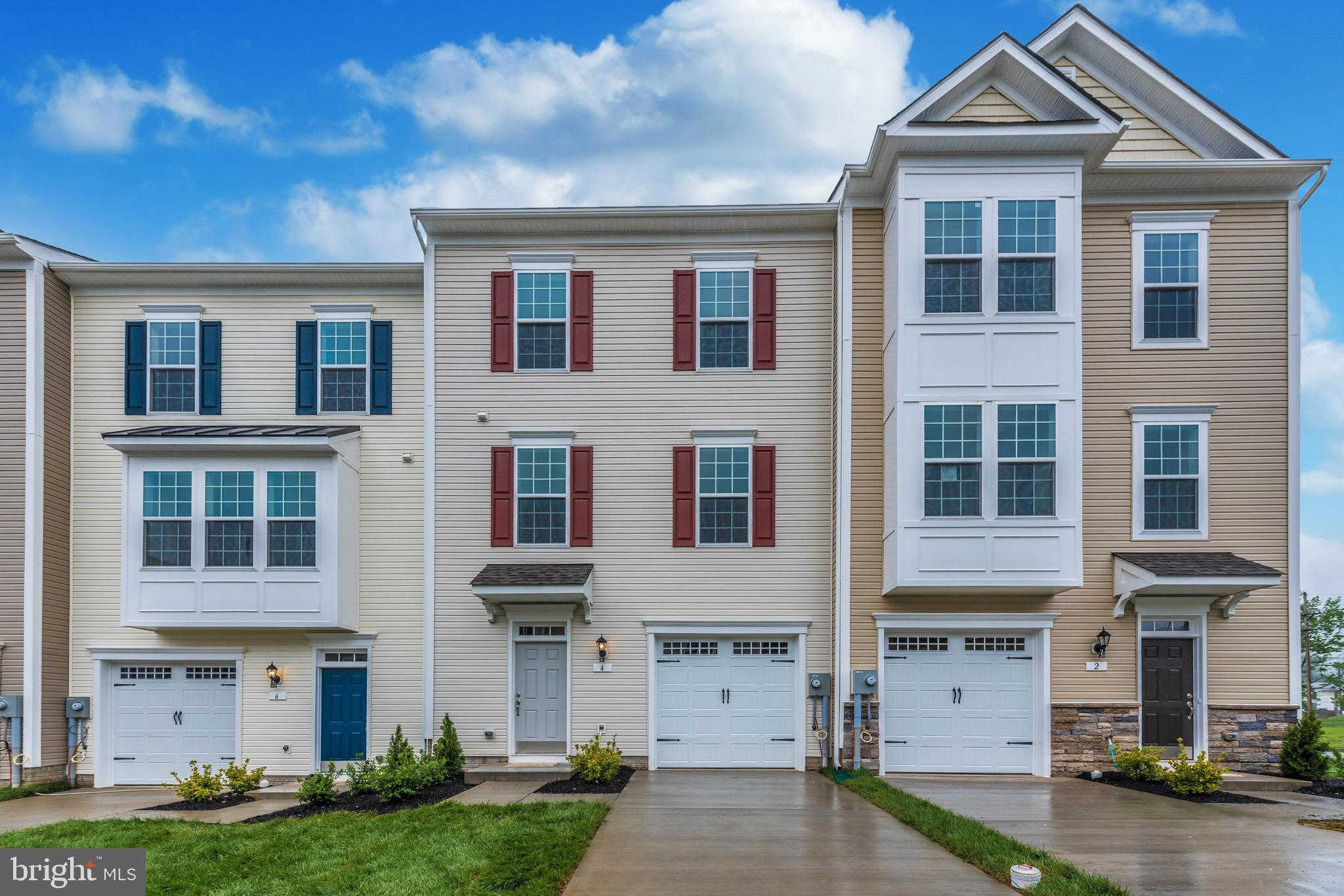 121 Park Lane, Thurmont, MD 21788 now has a new price of $259,365!