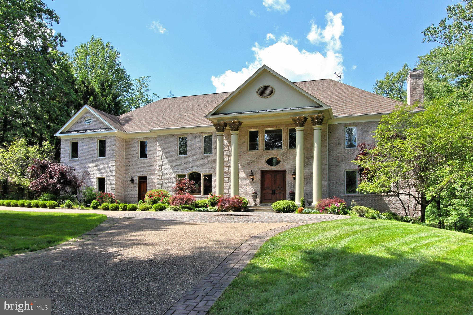 1350 Woodside Drive, Mclean, VA 22102 is now new to the market!