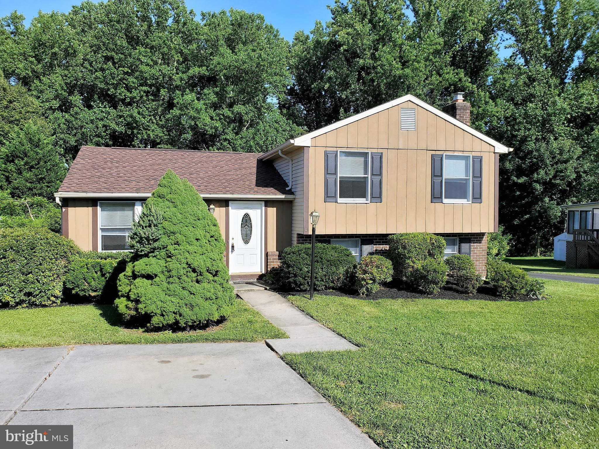 10019 Nearbrook Lane, Parkville, MD 21234 now has a new price of $259,900!