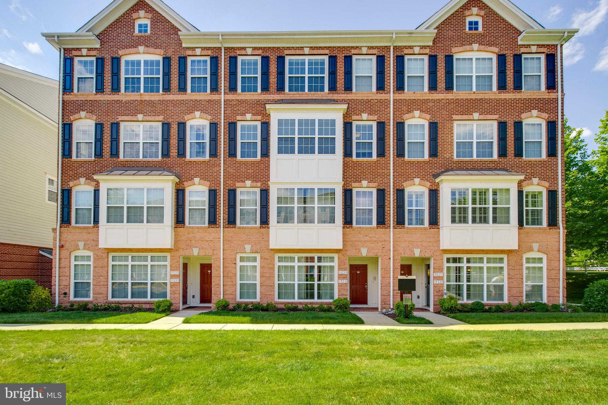 19229 Winmeade Drive, Leesburg, VA 20176 now has a new price of $379,000!