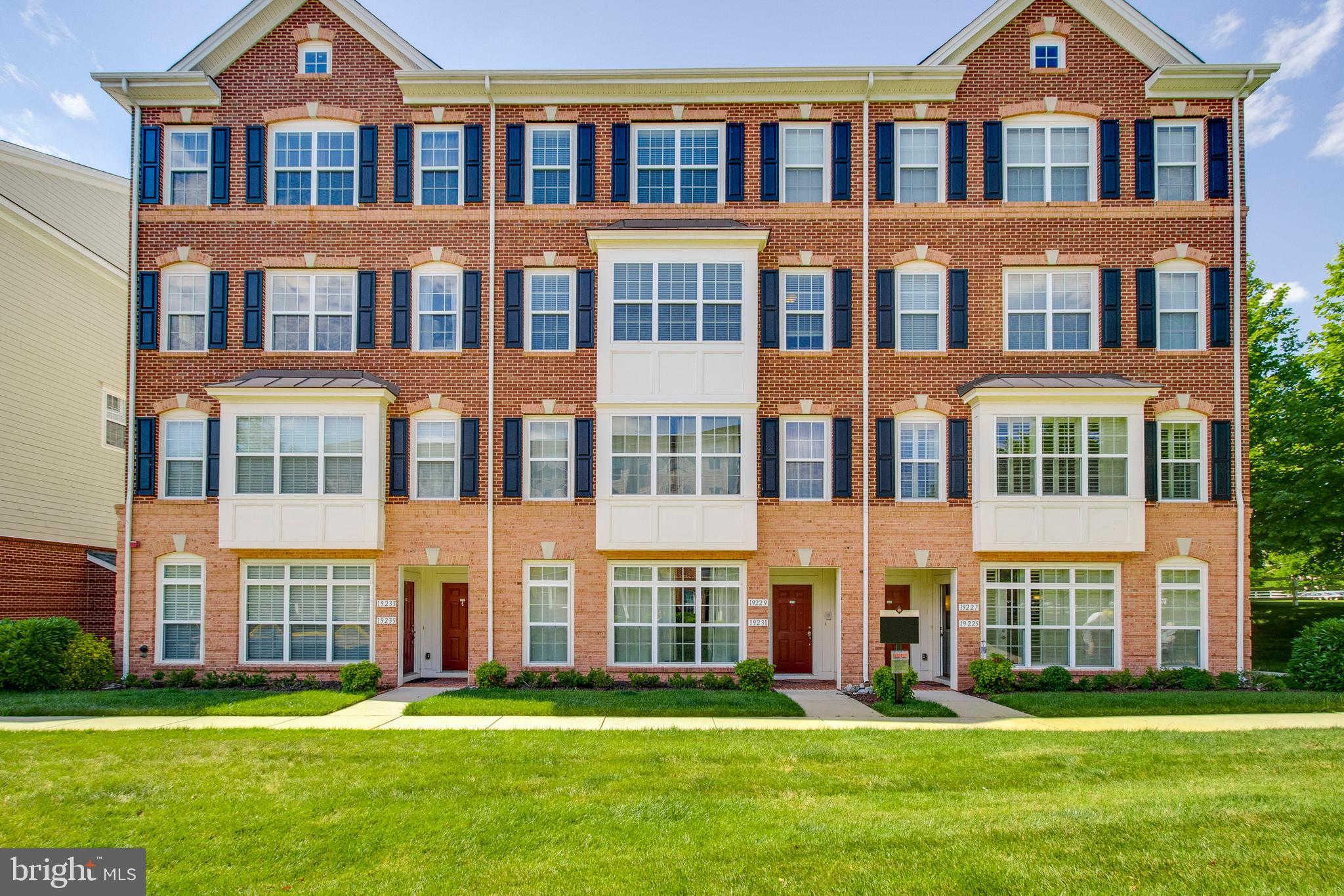 19229 Winmeade Drive, Leesburg, VA 20176 now has a new price of $379,000!