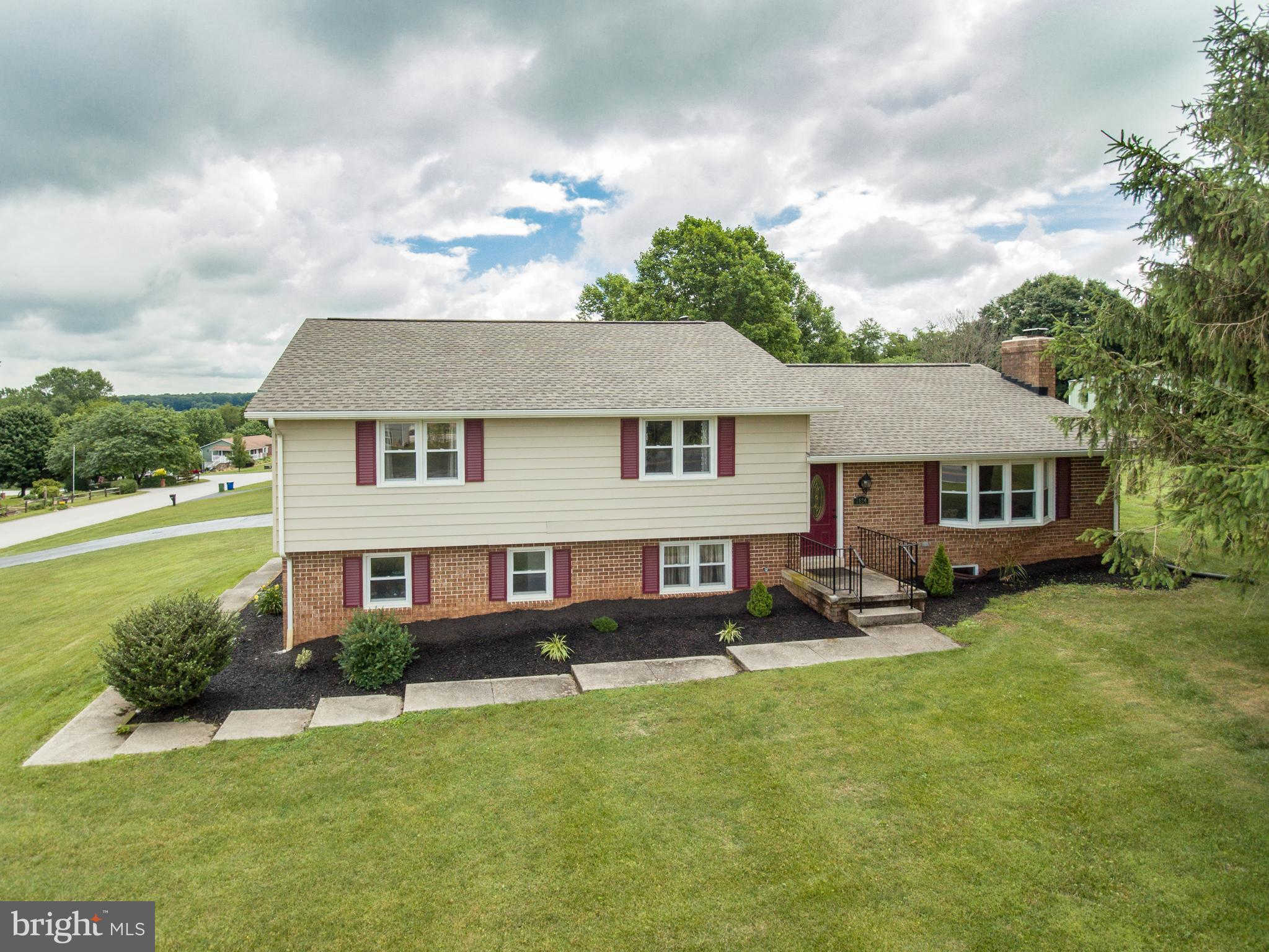 1834 Oakwood Drive, Hanover, PA 17331 now has a new price of $274,900!