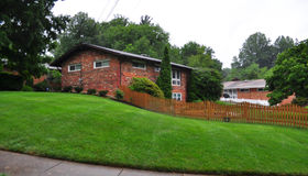 10007 Spring Lake Terrace, Fairfax, VA 22030