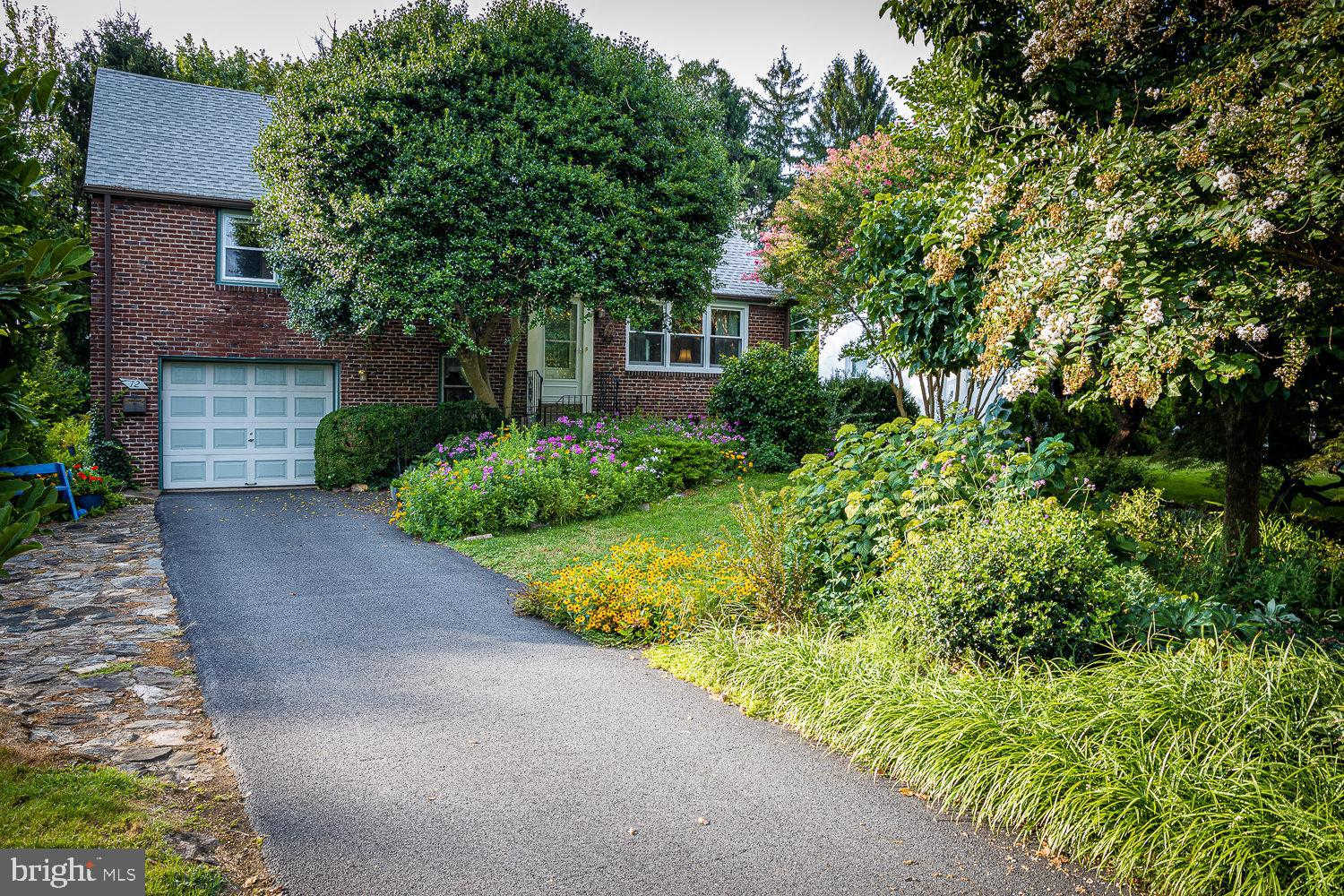 12 Meadowbrook Lane, Brookhaven, PA 19015 is now new to the market!