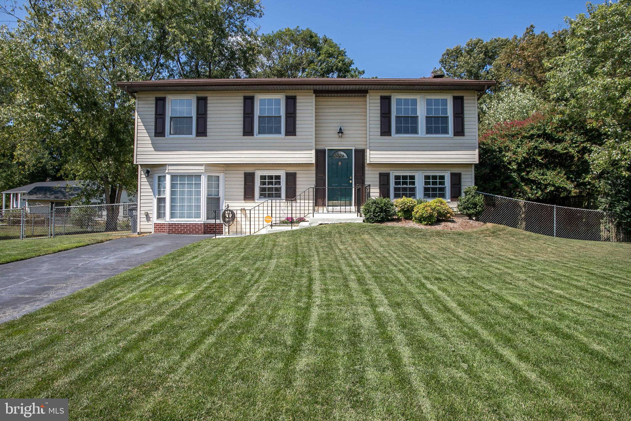 607 University Drive, Waldorf, MD 20602 is now new to the market!