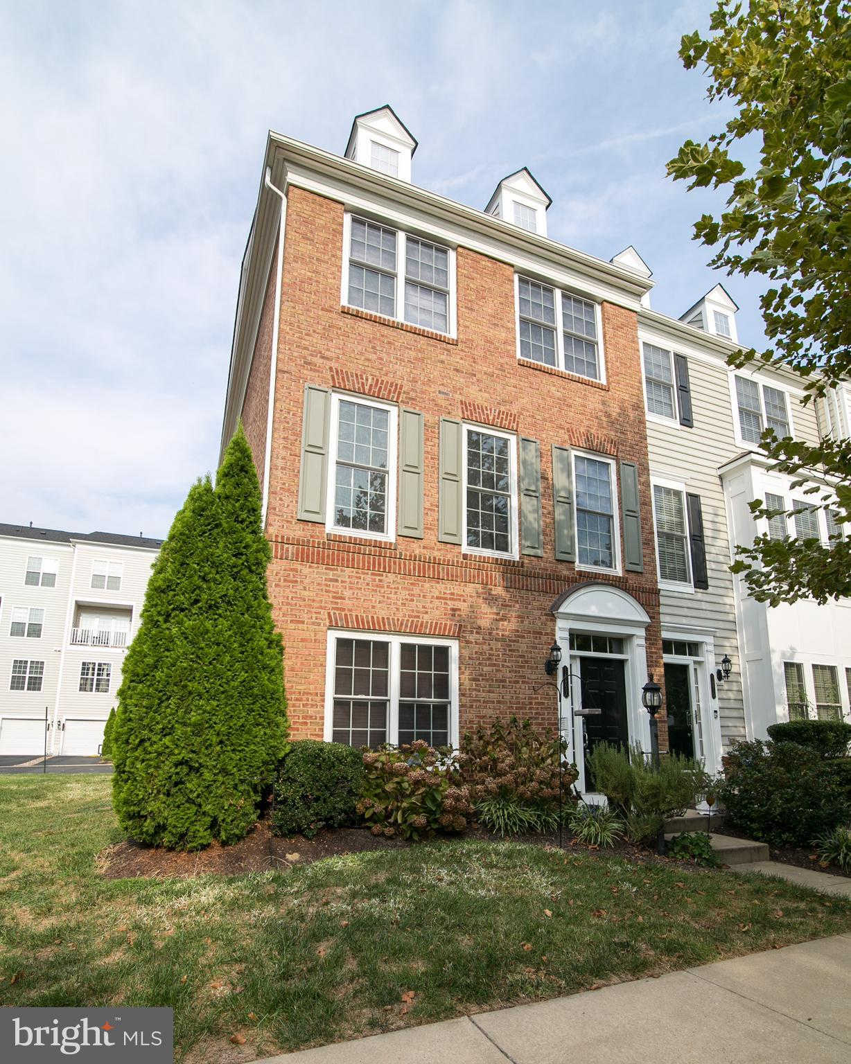 14852 Potomac Branch Drive #284a, Woodbridge, VA 22191 is now new to the market!